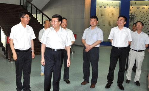 陕西省委组织部长毛万春来校检查指导工作