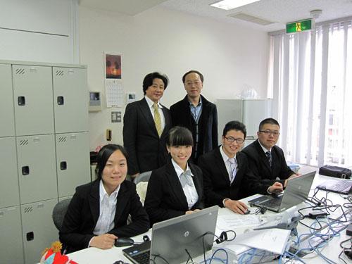 陈海波与此次赴日带队教师张宏鸣副教授及第一批赴日