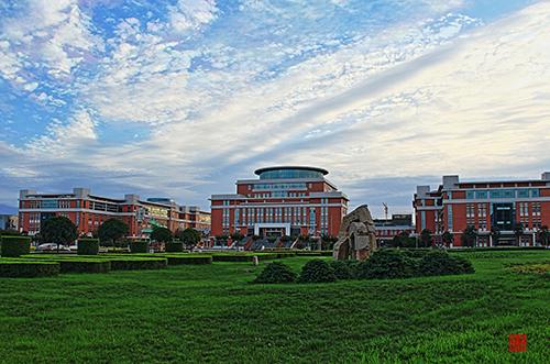 美丽的校园我的家(一)