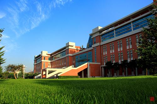 美丽的校园我的家(二)