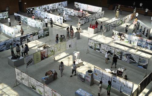 我校2011届艺术设计专业毕业设计作品展举行