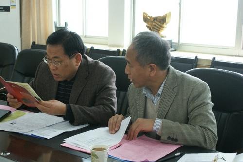 下午,河海大学商学院副院长梁伟教授,田泽副教授对应聘的博士研究